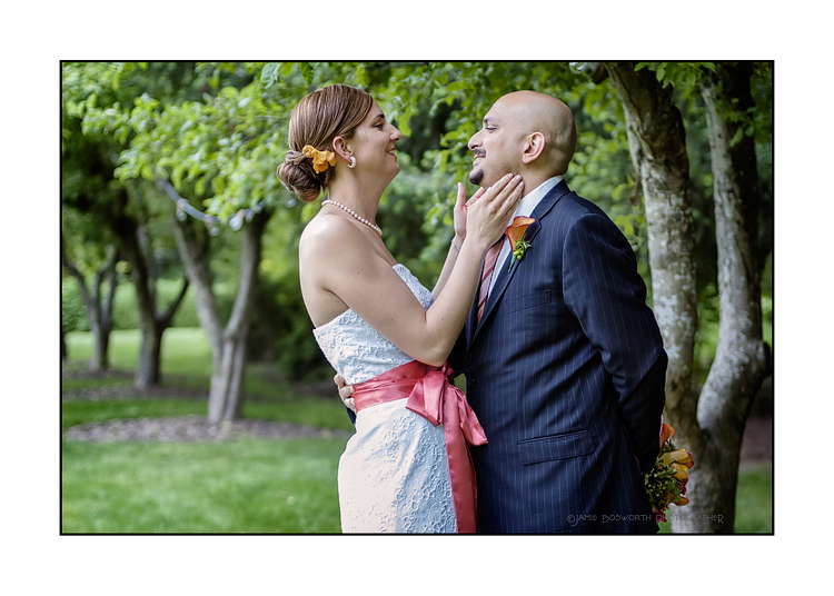 Love-in-the-orchard-Jamie-Bosworth-Photographer