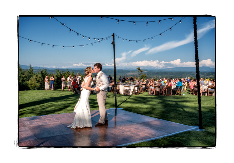 First-dance-in-Estacada-Jamie-Bosworth-Photographer