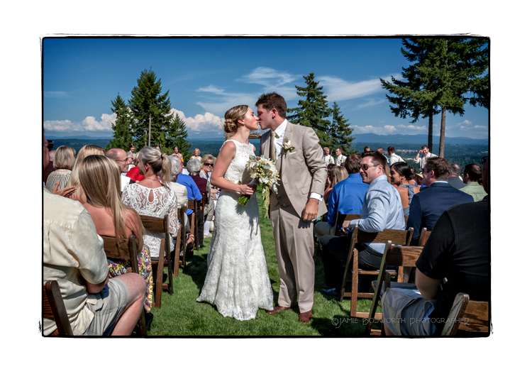 Aisle-kiss-in-Estacada-Jamie-Bosworth-Photographer