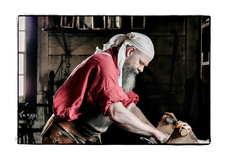 Fort-Vancouver-blacksmith-Jamie-Bosworth-Photographer