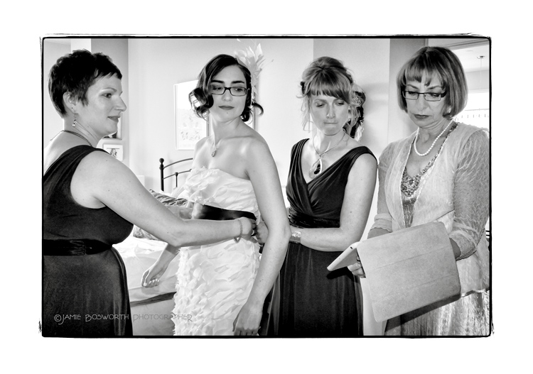 Google-search-to-tie-a-wedding-sash-Jamie-Bosworth-Photographer